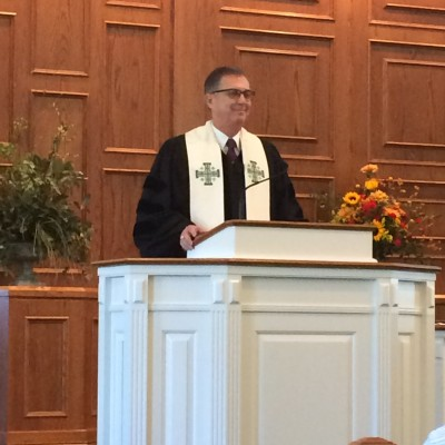 Rev. David Pattee delivers first of many sermons 9-20-2015